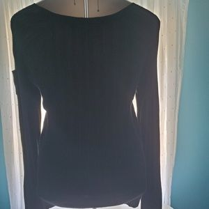 Old Navy Sweaters - Women's black ribbed sweater